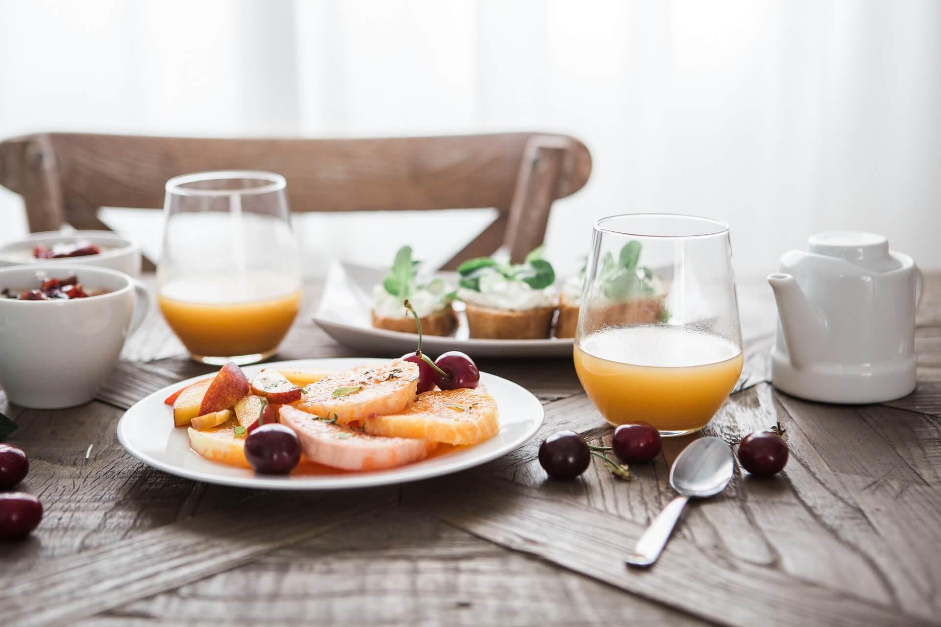Ontbijten in een restaurant in Noordwijk